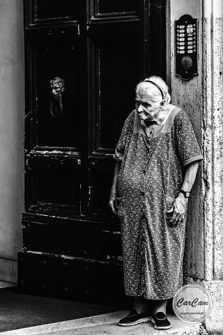 Rome, roma, lion, vieille, noir et blanc, black and white, streetphotography, art, travel, CarCam, je shoote