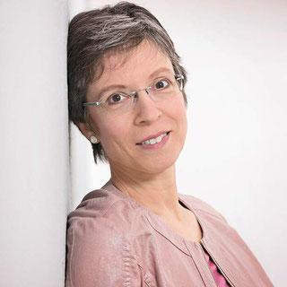 Autorin Kari Lessir, Mitglied im Autorinnenclub