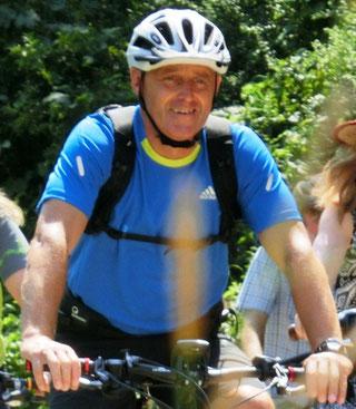 Dieter Knedlik. Tourguide und Reiseveranstalter von RAD-NATUR
