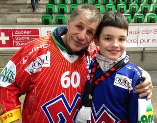 Das sind Jerry und ich vor dem Match am 25. März 2014. Jerry ist ein ganz toller Typ und auch ein grosser Fan vom EHC Biel!