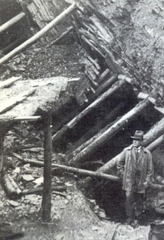 Historischer Wetzsteinbruch - Geologe B. v. Freyberg
