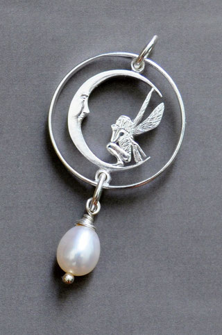Münzsägewerk Katrin Thull | Island - Elfe mit Mond und Stein