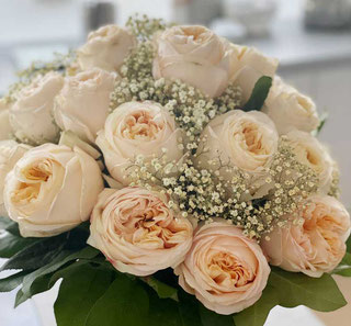 ecuador roses delivery