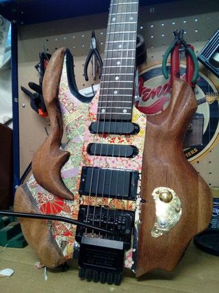 ヘッドレスギター