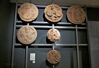 versch.  mittelalterliche Schlußsteine, Sandstein
