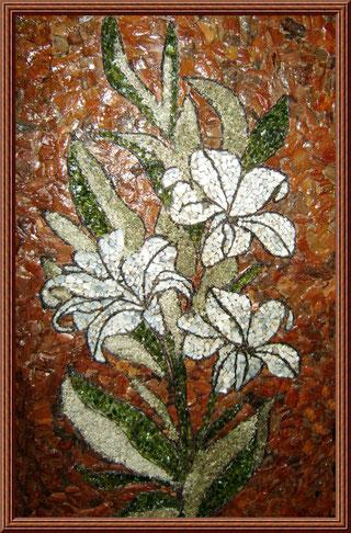 """""""Лилии""""(сосновая кора.ракушки,бутылочное стекло,мох)"""