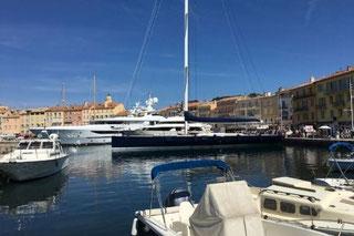 Vue sur le Port de Saint - Tropez