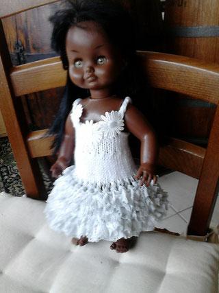 Petite robe pour une poupée