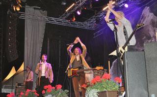 Trauffer mit Band 2016 im Bündelti
