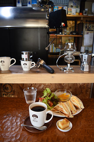uta no taneを訪ねる前に立ち寄った「Toyotomi Coffee」のコーヒーも美味しかった!