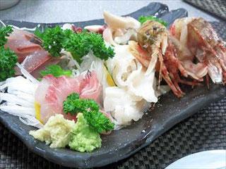刺身盛り(鰺・白バイ・メジナ・蛸・シマエビ)(2017/04/22)