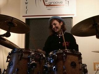 Schlagzeugschülerin der Schlagzeugschule Hallwil