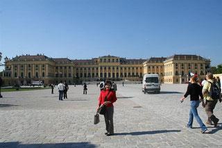 シェーンブルン宮殿歴史の重さを感じます