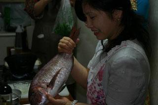 おおきな鯛は普通は蒸せません