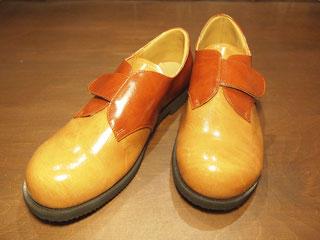 外反母趾、強剛母指の靴