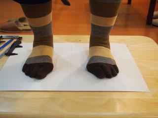 外反母趾、O脚の足
