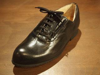 開張足に対応したオーダーメイド靴