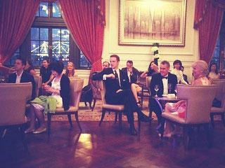 チャイナドレス着用のドレスコードで開催したイベント【チーパオ・クラブ】。中国人・日本人・欧米人と多国籍な社交の場での共通語は英語で。