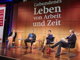 Über das Thema »Arbeit« diskutierte Sahra Wagenknecht (Foto: Claudia Höhne)