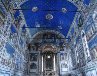 turisti cappella degli Scrovegni, Giotto