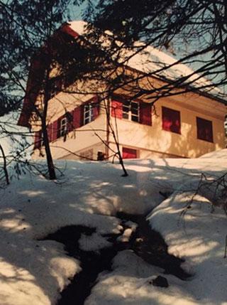 Hütte im Winter - Entspannung und Ruhe hoch zwei