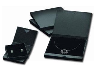 Schmuck online kaufen mit Perlen und Kristallen. Modischer Dameschmuck sowie Brautschmuck günstig im Webshop.