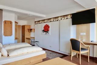 elegant Doubleroom in fresh colours