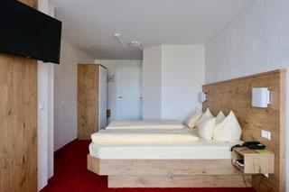 Doppelzimmer mit Aussichtsbalkon auf Oberkirch
