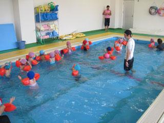 温水プール2