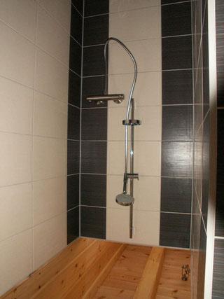 Auch jedes Bad mit eigenen Akzenten ist anders! - © Blockhaus-Profi