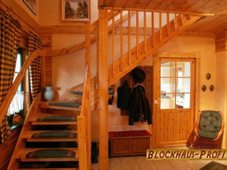 Geschosstreppe im Wohnblockhaus