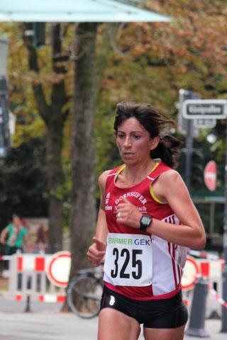 10 km nun bei 38:13 min:  Laura Lienhart