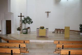 Altarraum Kirche Zwingen