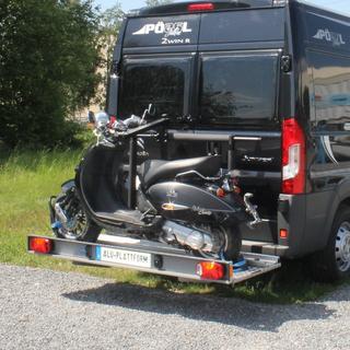 Plattform für die Mitnahme von Motorrad, Roller, Zweirad, Fahrrad am Kastenwagen.