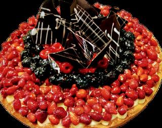 dolce di compleanno crostata ai frutti di bosco