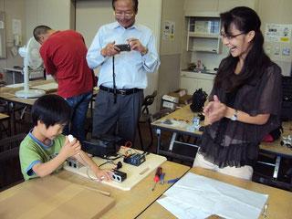 太陽光を学ぶ「手づくり発電」教室