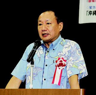 山田氏は約一時間の講演で、歴史を知り発信することの重要性を語った=26日、浦添市産業支援センター