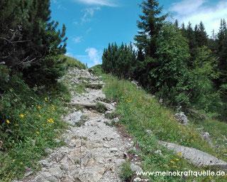 Monatsmotto, Kraftquelle, Berge, Schritt für Schritt, in der Ruhe liegt die Kraft