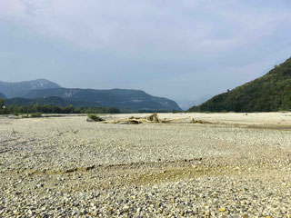 WIDE OPEN RANGE – river bed of Taliagmento River in summer
