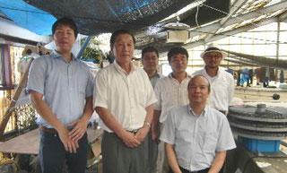 前列右側がベトナム社会主義共和国総領事左側が副領事