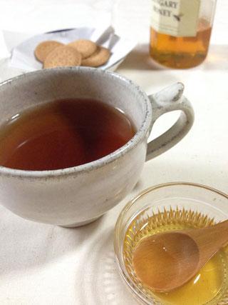 加賀棒茶の蜂蜜入り 写真提供 酒見銘茶店