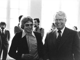 stern-Redakteur Ulrich Pramann (25) mit stern-Herausgeber Henri Nannen