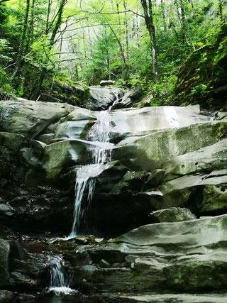 Kleiner Wasserfall bei La Trappola, Italien ©
