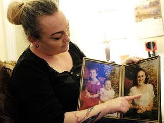 Амбер Сойер показывает фото погибшей сестры