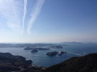 飛行機雲と来島海峡大橋