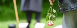 Bei katholischen Beerdigungen in Duisburg kommen nach einer Entscheidung des Bistums Essen ab sofort auch Ehrenamtliche zum Einsatz. (WAZ-Foto: Thomas Schmidtke)