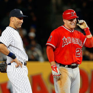 Nella foto Derek Jeter e Mike Trout (Jim McIsaac/Getty Images)