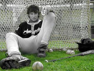 Nella foto Federico Costantini interpreta il giovane giocatore di baseball innamorato