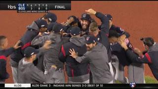 I Cleveland Indians festeggiano. I Red Sox sono fuori