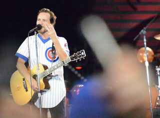 Nella foto il cantante dei Pearl Jam Eddie Vedder